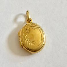 MEDALION PENTRU POZA DIN ARGINT placat cu aur