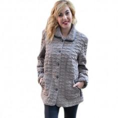 Jacheta scurta de toamna, nuanta bej, disponibila in masuri mari