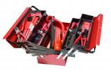 Cumpara ieftin Trusa de scule pentru instalatori marca Kronus din 158 de piese in cutie de tabla cu 5 compartimente