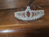 tiara cu cristale si pieptan in lateral