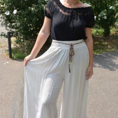 Pantaloni dama lejeri Adelina cu croi evazat si elastic in talie ,nuanta de bej