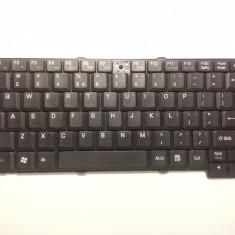 Tastatura TOSHIBA L30 MP-03263U4-920