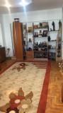Vând apartament cu 3 camere, Etajul 4
