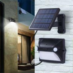 Corp Iluminat Exterior Tip Aplica LED Cu Senzor De Miscare Si Panou Solar Detasabil