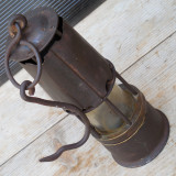 Cumpara ieftin SUPERB MODEL DE LAMPA DE MINA / MINER PE CARBID - STARE FOARTE BUNA, COMPLETA
