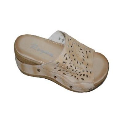 Papuc confortabil in culoare de bej, design cu aspect de dantela foto