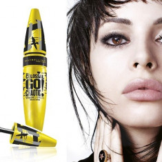 Mascara Maybelline The Colossal Go Chaotic Volum Express, Blackest Black