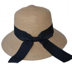 Palarie trendy in nuante de maro si bleumarin, cu design de funda