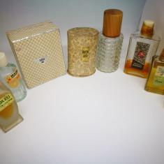 Sticlute vechi de parfum romanesc. Sticle parfumuri romanesti.