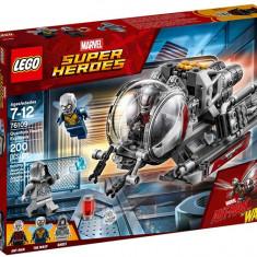 LEGO Marvel Super Heroes - Exploratorii Taramului Cuantic 76109