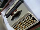 masina de scris ROYAL 200 transport gratis