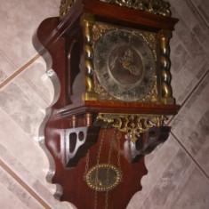 Superb ceas de perete cu 2 greutăți și elemente din bronz