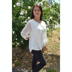 Bluza eleganta de culoare alba cu croi lejer si decolteu rotund