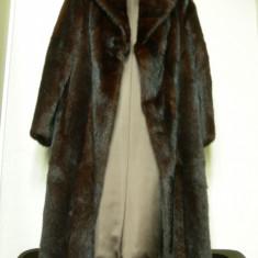 Haina lunga din blana de marmota, stare excelenta