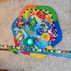 Centru activitati joaca copii baiat fata