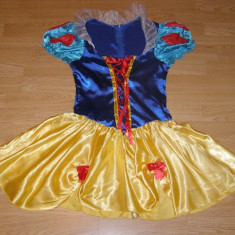 costum carnaval serbare alba ca zapada pentru adulti marime S-M