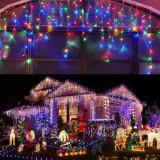 Instalatie decorativa tip perdea de lumini, 140 LED-uri, lumina multicolora, decor Craciun, 0.5x2 m, PRC