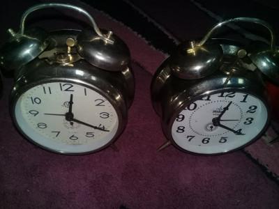ceas mare vechi comunist de casa,Ceas cu sonerie deasupra,de colectie,T.gratuit foto