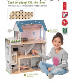 Casa de păpuși din lemn