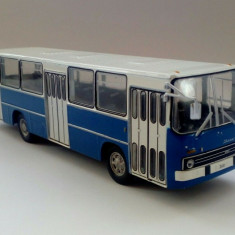 Macheta  autobuz Ikarus 260 - Masini de legenda - Polonia scara 1:72