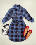 Cumpara ieftin Rochie ieftina casual stil camasa albastru deschis cu negru cu carouri si cordon in talie
