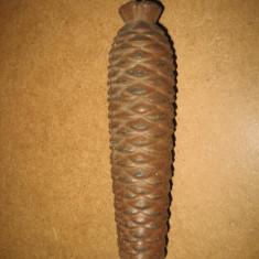 Greutate pendul vechi metal con de brad.