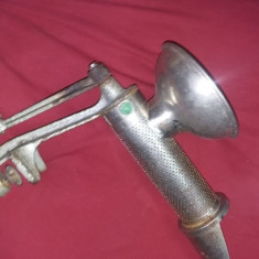 Masina de tocat rosii Ceausista METALICA,masina de stors rosii veche,T.GRATUIT