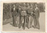 D5 Tineri romani cu bicicleta si elev militar 1943