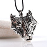 Pandantiv colier cu snur cap de lup wolf head