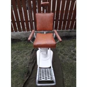 Scaun vechi frizerie functional