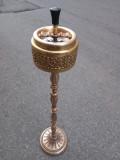 Eleganta scrumiera din bronz masiv