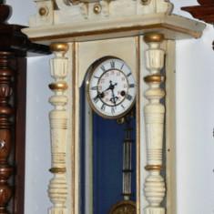 Ceas de perete cu pendul Junghans A08- alb