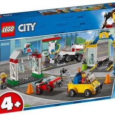 LEGO City - Centrul de garaje 60232