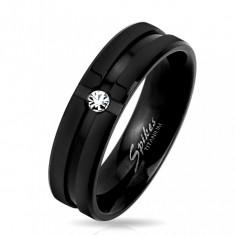 Bandă neagră din titan cu caneluri decorative și zirconiu transparent, 6 mm - Marime inel: 67