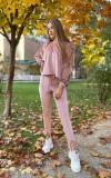 Trening dama superb roz din catifea cu pantaloni lungi si bluza larga cu snur la umeri