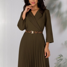 Rochie Sandra kaki cu decolteul petrecut si fusta plisata