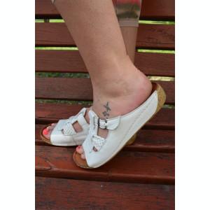 Papuc deosebit, alb, cu platforma medie, foarte comod