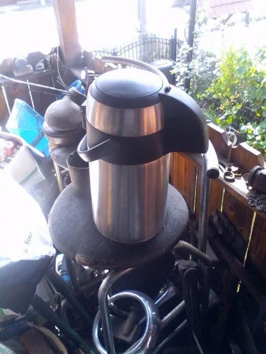 Dozator Termos 2,2 l cu pompa pentru lichide