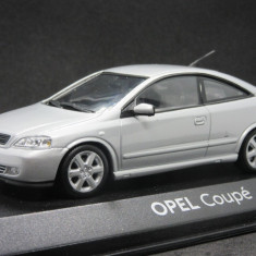 Macheta Opel Astra Coupe Minichamps 1:43