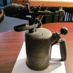CY - Lampa arzator benzina veche mare bronz 26 cm x 25 x 10 / 2 kg functionala
