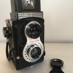 Aparat foto vintage Kingston box camera Twin Lense Reflex Plasticion f8 1/50 sec