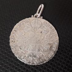 pandantiv vechi de argint cu moneda 1 thaler