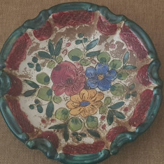 Farfurie DERUTA Italia  ceramica smaltuita  pictata manual farfurie perete