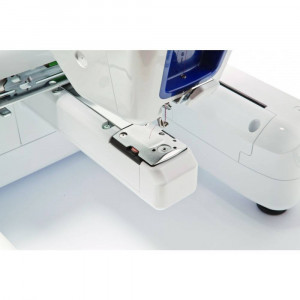 Masina de Brodat Brother VR Alb / Albastru